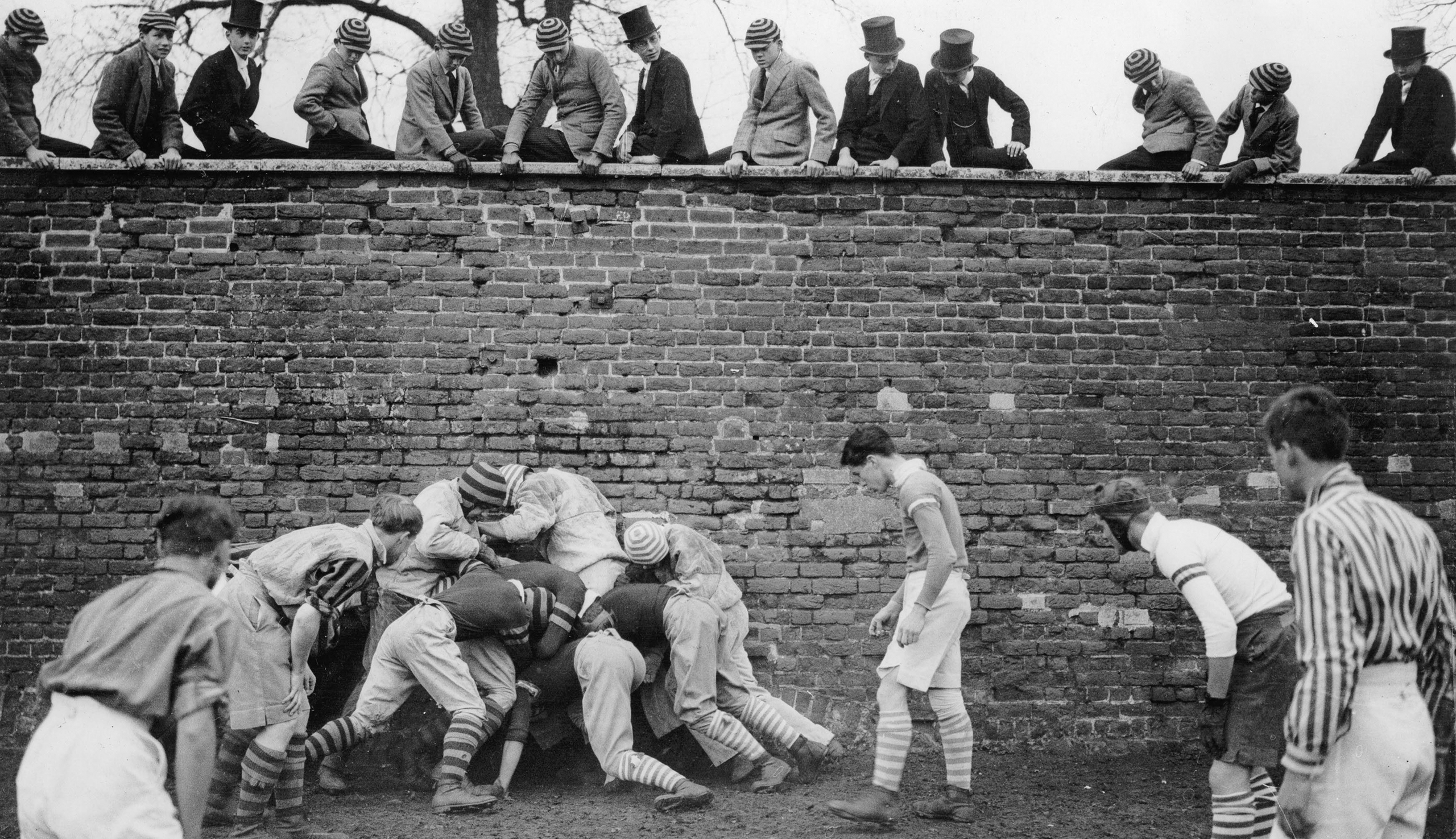 Students at Eton playing the wall game in 1933