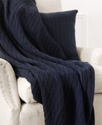 Hanging bath towels in light blue, grey & navy